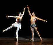 Carlos Acosta with guest artists from the Royal Ballet <br />