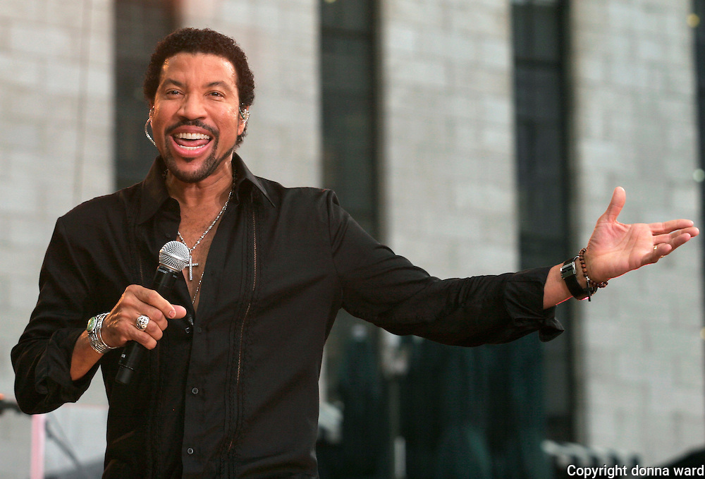 Lionel Richie performs at the Good Morning America Summer Concert Series in Bryant Park Friday, August 25, 2006 in New York.