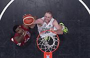 DESCRIZIONE : Beko Legabasket Serie A 2015- 2016 EA7 Emporio Armani Olimpia Milano - Sidigas Scandone Avellino<br /> GIOCATORE : Maartel Leunen<br /> CATEGORIA : tiro penetrazione special<br /> SQUADRA : Sidigas Scandone Avellino<br /> EVENTO : Beko Legabasket Serie A 2015-2016<br /> GARA : EA7 Emporio Armani Olimpia Milano  - Sidigas Scandone Avellino<br /> DATA : 31/01/2016<br /> SPORT : Pallacanestro <br /> AUTORE : Agenzia Ciamillo-Castoria/R.Morgano