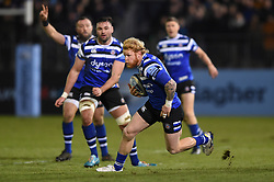 Tom Homer of Bath Rugby goes on the attack - Mandatory byline: Patrick Khachfe/JMP - 07966 386802 - 29/11/2019 - RUGBY UNION - The Recreation Ground - Bath, England - Bath Rugby v Saracens - Gallagher Premiership