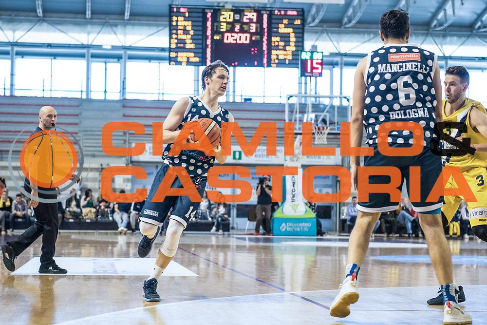 Matteo Montano<br /> U.S. Basket Recanati - Kontatto Fortitudo Basket Bologna<br /> Lega Nazionale Pallacanestro 2016/2017<br /> Recanati 09/04/2017<br /> Foto Ciamillo-Castoria