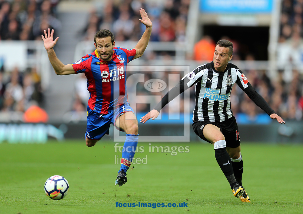 Javi Manquillo (r) of Newcastle United and Yohan Cabaye of Crystal Palace during the Premier League match at St. James's Park, Newcastle<br /> Picture by Simon Moore/Focus Images Ltd 07807 671782<br /> 21/10/2017