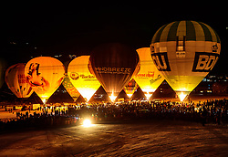 05.02.2018, Lechnerberg, Kaprun, AUT, Nacht der Ballone, im Bild beleuchtete Heissluftballone // illuminated Hot Air Balloons during the International Balloonalps Week, Lechnerberg, Kaprun, Austria on 2018/02/05. EXPA Pictures © 2018, PhotoCredit: EXPA/ JFK