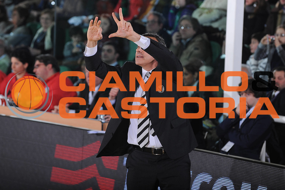 DESCRIZIONE : Avellino Final 8 Coppa Italia 2010 Semifinale Canadian Solar Virtus Bologna Air Avellino<br /> GIOCATORE : Lino Lardo<br /> SQUADRA : Canadian Solar Virtus Bologna<br /> EVENTO : Final 8 Coppa Italia 2010 <br /> GARA : Canadian Solar Virtus Bologna Air Avellino<br /> DATA : 20/02/2010<br /> CATEGORIA : Ritratto Schema<br /> SPORT : Pallacanestro <br /> AUTORE : Agenzia Ciamillo-Castoria/GiulioCiamillo<br /> Galleria : Lega Basket A 2009-2010 <br /> Fotonotizia : Avellino Final 8 Coppa Italia 2010 Semifinale Canadian Solar Virtus Bologna Air Avellino<br /> Predefinita :