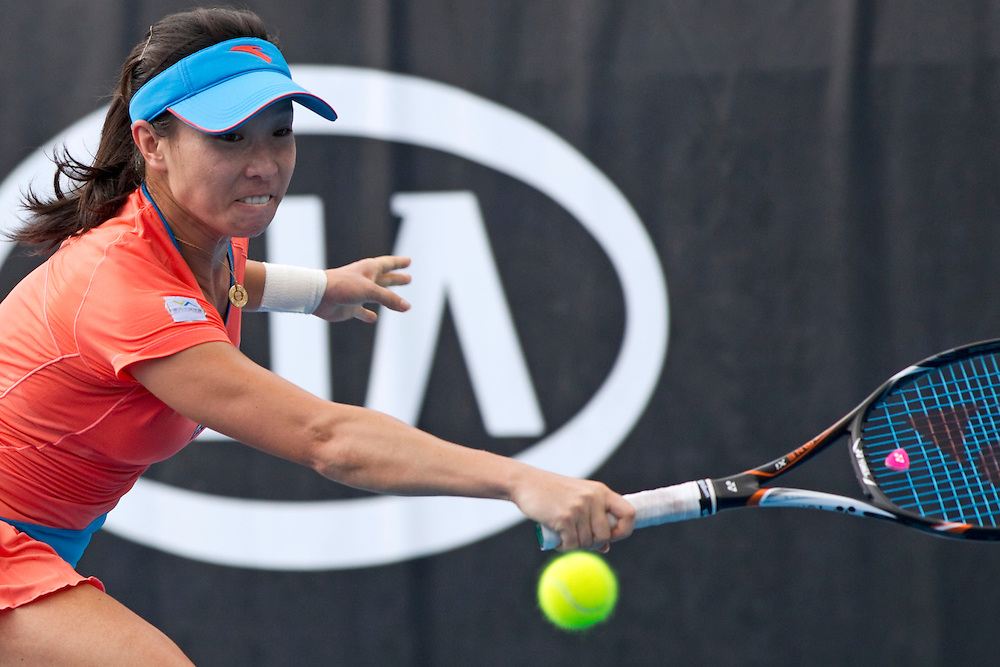 Jie Zheng, China in her quarterfinal match against Lucie Hradecka, Czech Republic at the ASB Classic Women's Tennis Tournament, Auckland, New Zealand, Thursday, January 05, 2012.  Credit:SNPA / David Rowland