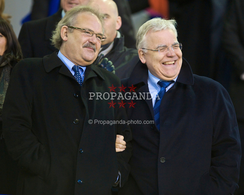 LIVERPOOL, ENGLAND - Sunday, December 6, 2009: Everton's chairman and owner Bill Kenwright and deputy chairman Jon Woods during the Premiership match at Goodison Park. (Photo by David Rawcliffe/Propaganda)