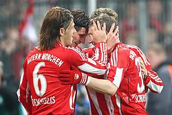 29.10.2010, Allianz Arena, Muenchen, GER, 1.FBL, FC Bayern Muenchen vs SC Freiburg, im Bild  Freude nach dem 2-0 durch Mario Gomez (Bayern #33)mit Martin Demichelis (Bayern #6) und Bastian Schweinsteiger (Bayern #31) und Thomas Mueller (Bayern #25)  , EXPA Pictures © 2010, PhotoCredit: EXPA/ nph/  Straubmeier+++++ ATTENTION - OUT OF GER +++++