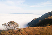 Belo Horizonte_MG, Brasil...Neblina no Topo do Mundo localizado na Serra da Moeda...The fog in the Topo do Mundo located in Serra da Moeda...FOTO: LEO DRUMOND /  NITRO