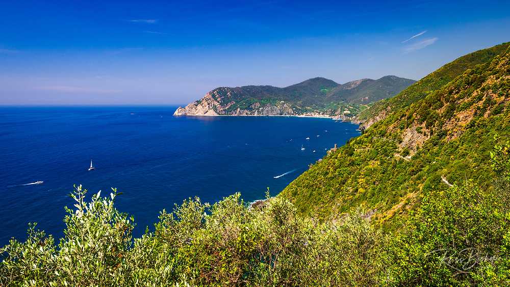 The Ligurian Sea from the Sentiero Azzurro (Blue Trail) near Vernazza, Cinque Terre, Liguria, Italy
