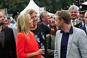Hare Koninklijke Hoogheid Prinses M&aacute;xima der Nederlanden is donderdag 18 augustus 2011 aanwezig in Bussloo bij de start van de 34e editie van het Xnoizz Flevo Festival. Het Xnoizz Flevo Festival, een meerdaags christelijk muziekfestival,  De Prinses is aanwezig bij de openingsbijeenkomst en woont een workshop over omgaan met geld bij.<br />