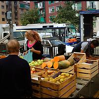 Torino, mercato rionale di Piazza bengasi nel quartiere Nizza