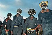 Parodie de ton-tons macoutes lors du carnaval de Port-au-Prince..Tontons macoutes'parody  during the carnival of Port-au-Princvve..