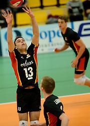 29-12-2014 NED: Eurosped Volleybal Experience Nederland - Belgie -19, Almelo<br /> Nederland verliest met 3-2 van Belgie / Florian Malisse