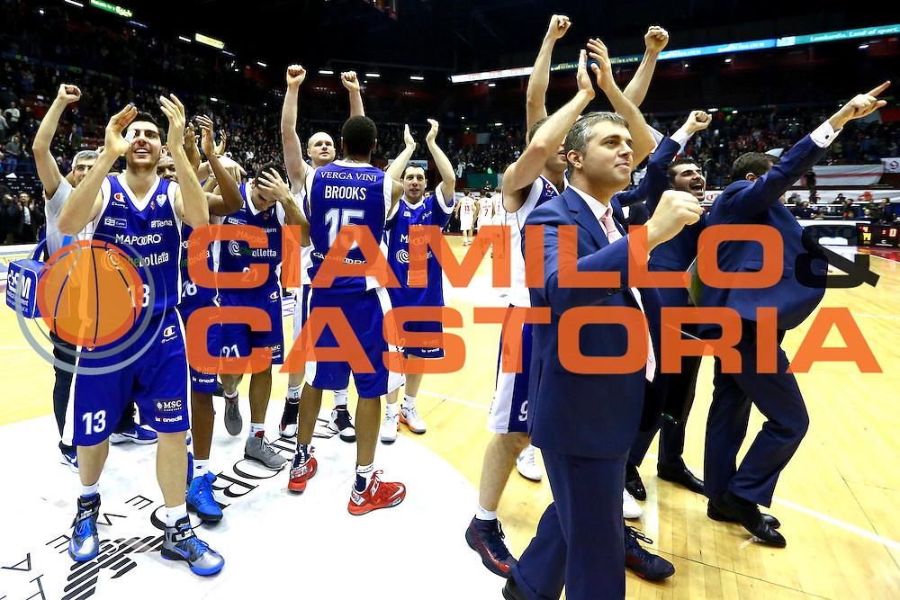 DESCRIZIONE : Milano Lega A 2012-13 EA7 Emporio Armani Milano chebolletta Cantu<br /> GIOCATORE : team<br /> CATEGORIA : esultanza<br /> SQUADRA : chebolletta Cantu<br /> EVENTO : Campionato Lega A 2012-2013 <br /> GARA : EA7 Emporio Armani Milano chebolletta Cantu<br /> DATA : 06/01/2013<br /> SPORT : Pallacanestro <br /> AUTORE : Agenzia Ciamillo-Castoria/I.Mancini<br /> Galleria : Lega Basket A 2012-2013  <br /> Fotonotizia : Milano Lega A 2012-13 EA7 Emporio Armani Milano chebolletta Cantu<br /> Predefinita :