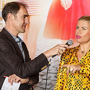 """NLD/Amsterdam/20150515 - Castpresentatie nieuwe film van Johan Nijenhuis  """"Rokjesdag"""", Johan Nijenhuis en Anne-Marie Jung"""