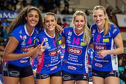 27-11-2016 ITA: Gorgonzola Igor Volley Novara - Nordmeccanica Modena, Novara<br /> Nova wint in drie sets van Modena / Celeste Plak #4, Sara Alberti #1, Laura Dijkema #14, Judith Pietersen #8