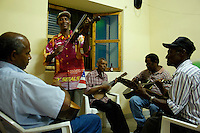 13 JAN 2006, SAO FELIPE/FOGO/CABO VERDE:<br /> Live Musik in der Bar Restaurante Maria Amelia, Sao Felipe, Insel Fogo<br /> Live music into the Bar Restaurante Maria Amelia, Sao Felipe, Island Fogo<br /> IMAGE: 20060131-01-021<br /> KEYWORDS: Reise, Travel, Restaurant, Third World, Dritte Welt