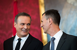 "03.06.2019, Präsidentschaftskanzlei, Wien, AUT, Angelobung der Übergangsregierung, im Bild Finanzminister Eduard Müller und Verteidigungsminister Thomas Starlinger // Austrian Finance Minister Eduard Mueller and Austrian Defence Minister Thomas Starlinger during inauguration of the provisional government after ""Ibiza Affair"" at Federal Presidents Office in Vienna, Austria on 2019/06/19, EXPA Pictures © 2019, PhotoCredit: EXPA/ Michael Gruber"