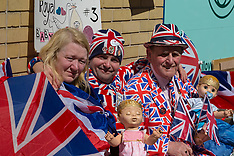 2018-04-18   - SWNS - Royal fans camp outside Lindo wing ahead of royal birth