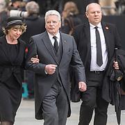 LUX/Luxemburg/20190504 - Funeral of HRH Grand Duke Jean/Uitvaart Groothertog Jean, Joachim Gauck en partner Gerhild