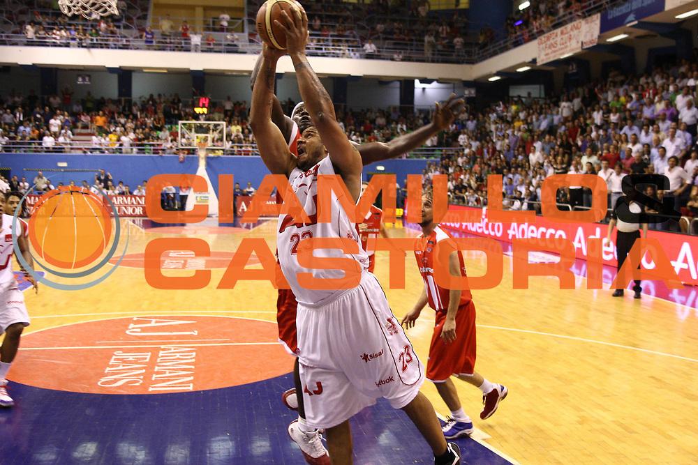 DESCRIZIONE : Milano Lega A 2008-09 Playoff Quarti di finale Gara 2 Armani Jeans Milano Bancatercas Teramo<br /> GIOCATORE : Maurice Taylor<br /> SQUADRA : Armani Jeans Milano <br /> EVENTO : Campionato Lega A 2008-2009 <br /> GARA : Armani Jeans Milano Bancatercas Teramo<br /> DATA : 20/05/2009<br /> CATEGORIA : Tiro penetrazione<br /> SPORT : Pallacanestro <br /> AUTORE : Agenzia Ciamillo-Castoria/C.De Massis