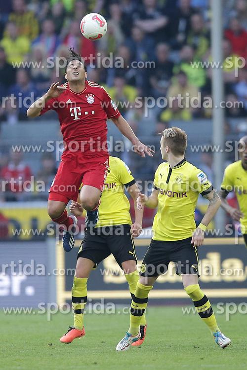 04.05.2013, Signal Iduna Park, Dortmund, GER, 1. FBL, Borussia Dortmund vs FC Bayern Muenchen, 32. Runde, im Bild, Claudio PIZARRO (FC Bayern Muenchen - 14) - Marco REUS (Borussia Dortmund - BVB - 11) // during the German Bundesliga 32th round match between Borussia Dortmund and FC Bayern Munich at the Signal Iduna Park, Dortmund, Germany on 2013/05/04. EXPA Pictures © 2013, PhotoCredit: EXPA/ Eibner/ Gerry Schmit..***** ATTENTION - OUT OF GER *****