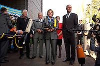 23 AUG 2004, BRANDENBBURG/HAVEL/GERMANY:<br /> Joerg Schoenbohm (Mi-L), CDU, Innenminister Brandenburg, Angela Merkel (M), CDU Bundesvorsitzende, und Laurenz Meyer (Mi-R), CDU Generalsekretaer, waehrend einem Pressestatement von Merkel, vor Beginn der CDU Praesidiumssitzung, Technologie- und Gruenderzentrum Brandenburg an der Havel<br /> IMAGE: 20040823-01-004<br /> KEYWORDS: Präsidiumssitzung, Mikrofon, microphone, Journalist, Journalisten