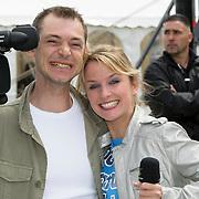 NLD/Amsterdam/20080518 - Opname strafschoppen EK Lingerie, Nienke Disco met cameraman