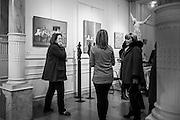 Anne De Mol, sculptrice belge et Chantal Ripol, peintre espagnole, Galerie Alfican, Grand Sablon, Bruxelles 4 Decembre 2014. Photo: Erik Luntang