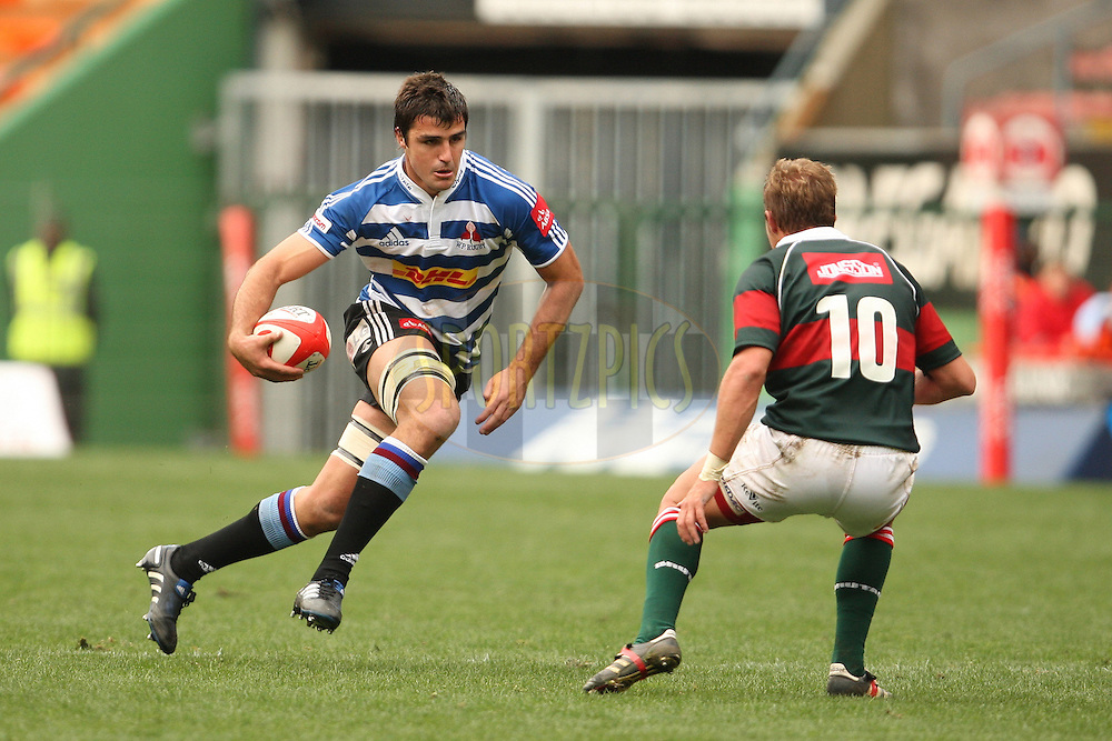 Tertius Daniller of DHL WP on the run during the Absa Currie Cup fixture between DHL Western Province and the Leopards played at DHL Newlands in Cape Town, South Africa on 10 September 2011. Photo by Jacques Rossouw/SPORTZPICS