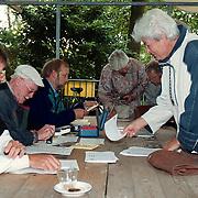 Start avondfietsvierdaagse 1999 bij WTC, inschrijving