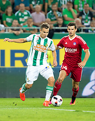 25.08.2016, Allianz Stadion, Wien, AUT, UEFA EL, SK Rapid Wien vs FK AS Trencin, Play off, Rueckspiel, im Bild Louis Schaub (SK Rapid Wien), Jakub Holubek (FK AS Trencin)// during the UEFA Europa League Play off 2nd Leg Match between SK Rapid Wien and FK AS Trencin at the Allianz Stadion, Vienna, Austria on 2016/08/25. EXPA Pictures © 2016, PhotoCredit: EXPA/ Sebastian Pucher