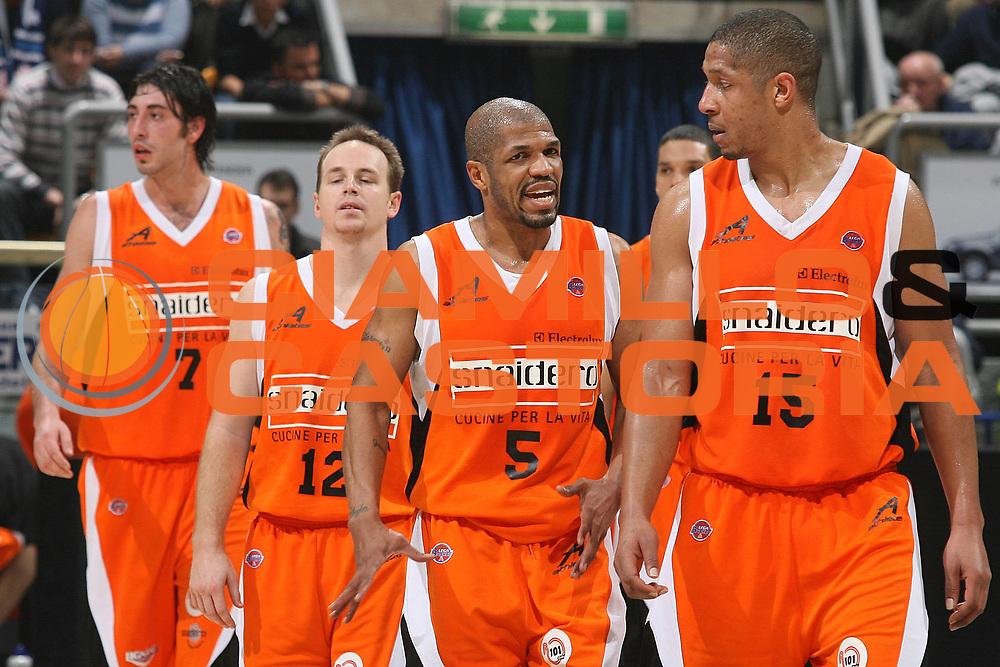 DESCRIZIONE : Bologna Lega A1 2007-08 Upim Fortitudo Bologna Snaidero Udine<br /> GIOCATORE : Team Udine<br /> SQUADRA : Snaidero Udine<br /> EVENTO : Campionato Lega A1 2007-2008 <br /> GARA : Upim Fortitudo Bologna Snaidero Udine<br /> DATA : 02/02/2008<br /> CATEGORIA : Ritratto<br /> SPORT : Pallacanestro <br /> AUTORE : Agenzia Ciamillo-Castoria/M.Marchi