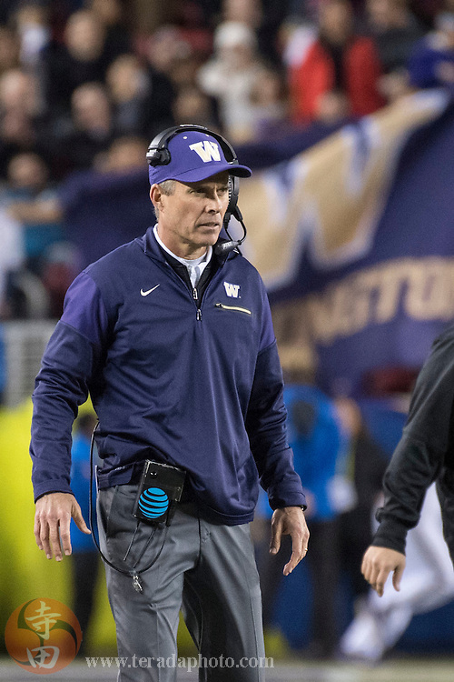 December 2, 2016; Santa Clara, CA, USA; Washington Huskies head coach Chris Petersen during the third quarter in the Pac-12 championship against the Colorado Buffaloes at Levi's Stadium. The Huskies defeated the Buffaloes 41-10.