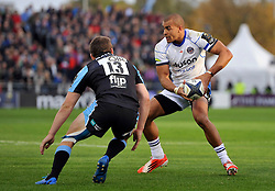 Jonathan Joseph of Bath Rugby in possession - Photo mandatory by-line: Patrick Khachfe/JMP - Mobile: 07966 386802 18/10/2014 - SPORT - RUGBY UNION - Glasgow - Scotstoun Stadium - Glasgow Warriors v Bath Rugby - European Rugby Champions Cup
