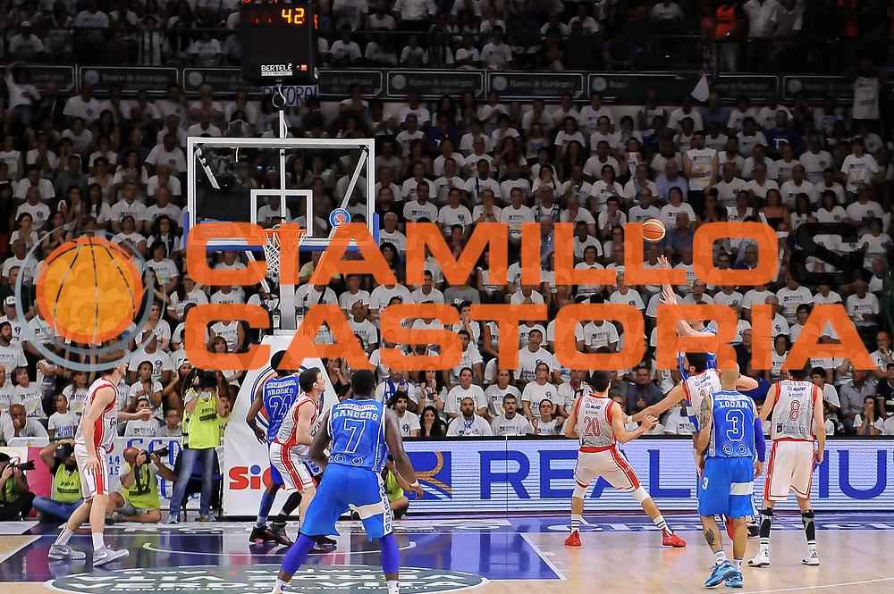 DESCRIZIONE : Campionato 2014/15 Serie A Beko Dinamo Banco di Sardegna Sassari - Grissin Bon Reggio Emilia Finale Playoff Gara6<br /> GIOCATORE : Giacomo Devecchi<br /> CATEGORIA : Tiro Controcampo Buzzer Beater<br /> SQUADRA : Dinamo Banco di Sardegna Sassari<br /> EVENTO : LegaBasket Serie A Beko 2014/2015<br /> GARA : Dinamo Banco di Sardegna Sassari - Grissin Bon Reggio Emilia Finale Playoff Gara6<br /> DATA : 24/06/2015<br /> SPORT : Pallacanestro <br /> AUTORE : Agenzia Ciamillo-Castoria/L.Canu