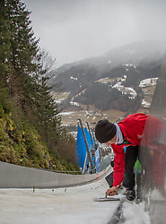 11.01.2015, Kulm, Bad Mitterndorf, AUT, FIS Ski Flug Weltcup, Präpierung der Anlaufspur // dissection of the in run of the FIS Ski Flying World Cup at the Kulm, Bad Mitterndorf, Austria on 2015/01/11, EXPA Pictures © 2015, PhotoCredit: EXPA/ Dominik Angerer