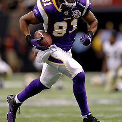 September 9, 2010; New Orleans, LA, USA; Minnesota Vikings tight end Visanthe Shiancoe (81) during warm ups prior to kickoff of the NFL Kickoff season opener at the Louisiana Superdome. The New Orleans Saints defeated the Minnesota Vikings 14-9.  Mandatory Credit: Derick E. Hingle