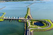 Nederland, Flevoland, Lelystad, 07-05-2018; Bataviastad, Houtribsluizen, sluizencomplex op de vaarroute tussen Amsterdam en Lemmer bij Lelystad. <br /> Het sluizencomplex bestaat uit twee schutsluizen en een meervoudige spuisluis.<br /> Houtrib locks, lock complex on the route between Amsterdam and Lemmer at Lelystad.<br /> The lock complex consists of two shipping locks and multiple drain sluices.<br /> luchtfoto (toeslag op standard tarieven);<br /> aerial photo (additional fee required);<br /> copyright foto/photo Siebe Swart