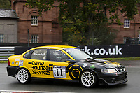 #11 Richard Roundell Vauxhall Vectra 2498  during CNC Heads Sports / Saloon Championship as part of the BARC NW Championship Raceday at Oulton Park, Little Budworth, Cheshire, United Kingdom. October 21 2017. World Copyright Peter Taylor/PSP.
