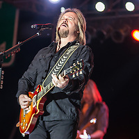 Travis Tritt performing at the Decatur Celebration Friday August 4, 2017