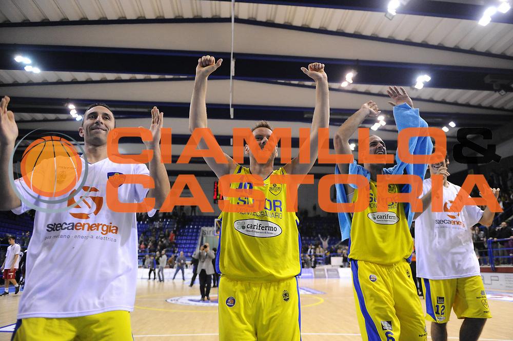 DESCRIZIONE : Porto San Giorgio Lega A 2013-14 Sutor Montegranaro VL Pesaro<br /> GIOCATORE : team<br /> CATEGORIA : team esultanza<br /> SQUADRA : Sutor Montegranaro VL Pesaro<br /> EVENTO : Campionato Lega A 2013-2014<br /> GARA : Sutor Montegranaro VL Pesaro<br /> DATA : 10/11/2013<br /> SPORT : Pallacanestro <br /> AUTORE : Agenzia Ciamillo-Castoria/C.De Massis<br /> Galleria : Lega Basket A 2013-2014  <br /> Fotonotizia : Porto San Giorgio Lega A 2013-14 Sutor Montegranaro VL Pesaro<br /> Predefinita :