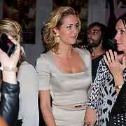 NLD/Amsterdam/20121001- Uitreiking Bachelorette List 2012, Paulien Huizinga en vriendin