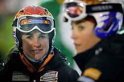 10-10-2010 SNOWBOARDEN: LG FIS WORLDCUP: LANDGRAAF<br /> Nicolien Sauerbreij is er bij de eerste wereldbekerwedstrijd parallelslalom van het seizoen niet in geslaagd het hoofdtoernooi te bereiken. Links haar zus Marieke die zich wel kwalificeerde<br /> ©2010-WWW.FOTOHOOGENDOORN.NL