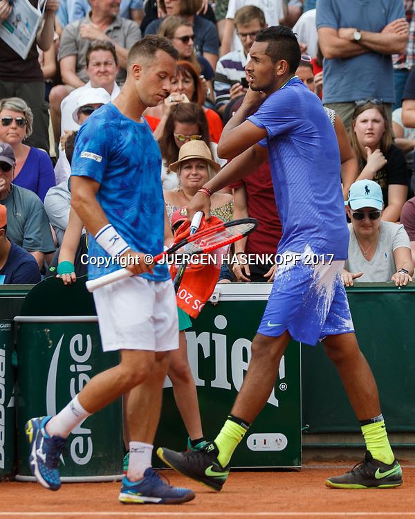 NICK KYRGIOS (AUS) und PHILIPP KOHLSCHREIBER (GER) beim Seitenwechsel,<br /> <br /> Tennis - French Open 2017 - Grand Slam ATP / WTA -  Roland Garros - Paris -  - France  - 30 May 2017.