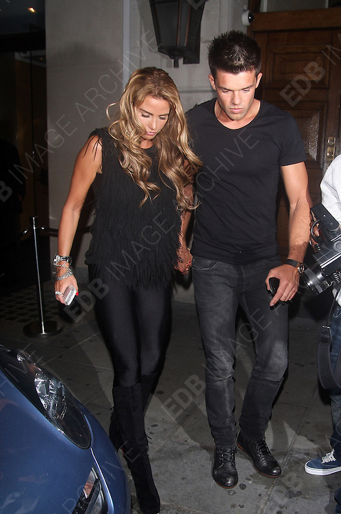16.AUGUST.2012. LONDON<br /> <br /> LAUREN POPE, KATIE PRICE AND LEANDRO PENNA LEAVING NOBU, BERKELEY RESTAURANT IN MAYFAIR<br /> <br /> BYLINE: EDBIMAGEARCHIVE.CO.UK<br /> <br /> *THIS IMAGE IS STRICTLY FOR UK NEWSPAPERS AND MAGAZINES ONLY*<br /> *FOR WORLD WIDE SALES AND WEB USE PLEASE CONTACT EDBIMAGEARCHIVE - 0208 954 5968*