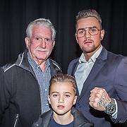 NLD/Amsterdam/20161101 - Glory persconferentie Verhoeven & Badr Hari, Nieky Holzken, met zijn opa en zoontje