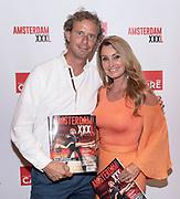 Koninklijk Theater Carre, Amsterdam. Lancering van de zevende editie van Amsterdam XXXl. Op de foto: Anne-Marie van Leggelo en Edwin Beijersbergen