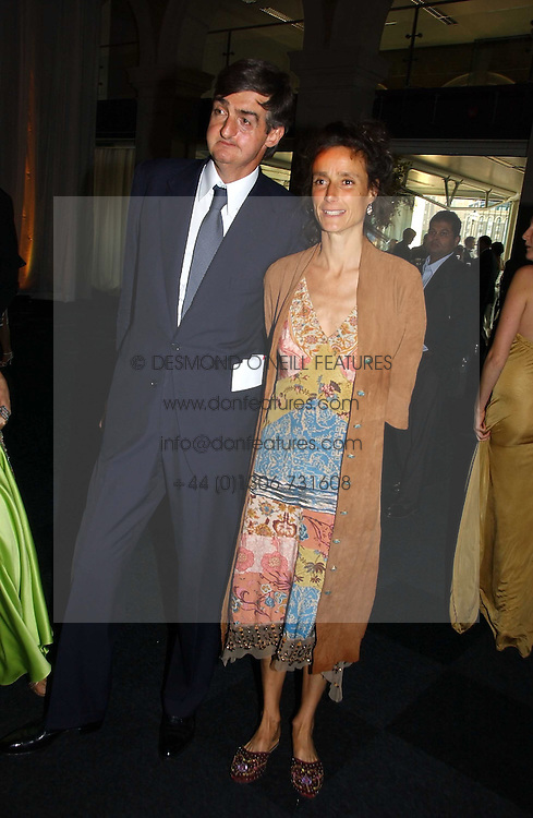 ROBIN BIRLEY and the MARCHIONESS OF WORCESTER, she was actress Tracey Ward at the Fortune Forum Dinner held at Old Billingsgate, 1 Old Billingsgate Walk, 16 Lower Thames Street, London EC3R 6DX<br /><br />NON EXCLUSIVE - WORLD RIGHTS