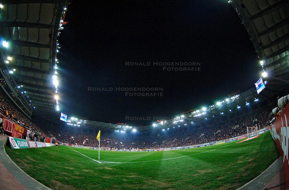 10-03-2005 VOETBAL: UEFA CUP: OLYMPIACOS PIREAUS-NEWCASTLE UNITED: ATHENE<br /> In een beladen wedstrijd wint Newcastle met 3-1 van het griekse Olympiacos - Stadion - voetbal item - stadions<br /> &copy;2005-WWW.FOTOHOOGENDOORN.NL